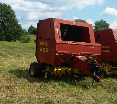 688 NEW HOLLAND ROUND BALER – $8,500 | Big 3 Tractor Co
